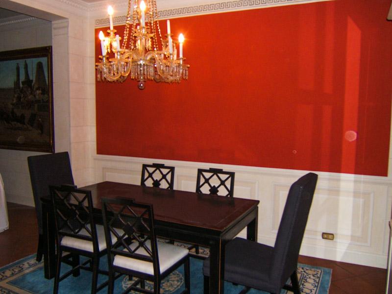 Decorazioni artistiche boiserie pittoriche e tinta rossa