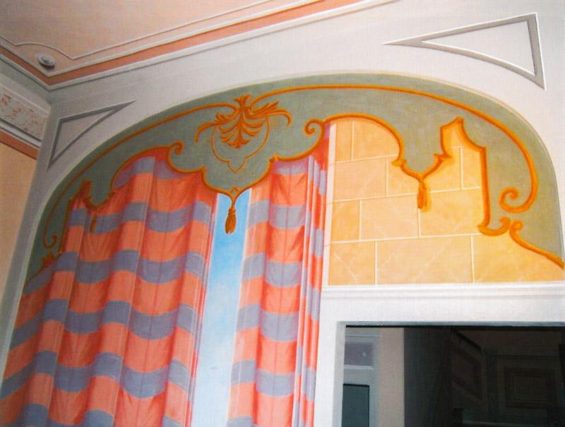 Decorazioni artistiche particolare trompe oeil su parete