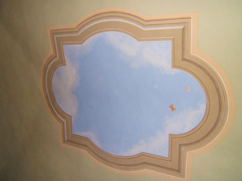 Decorazioni artistiche trompe oeil su soffitto