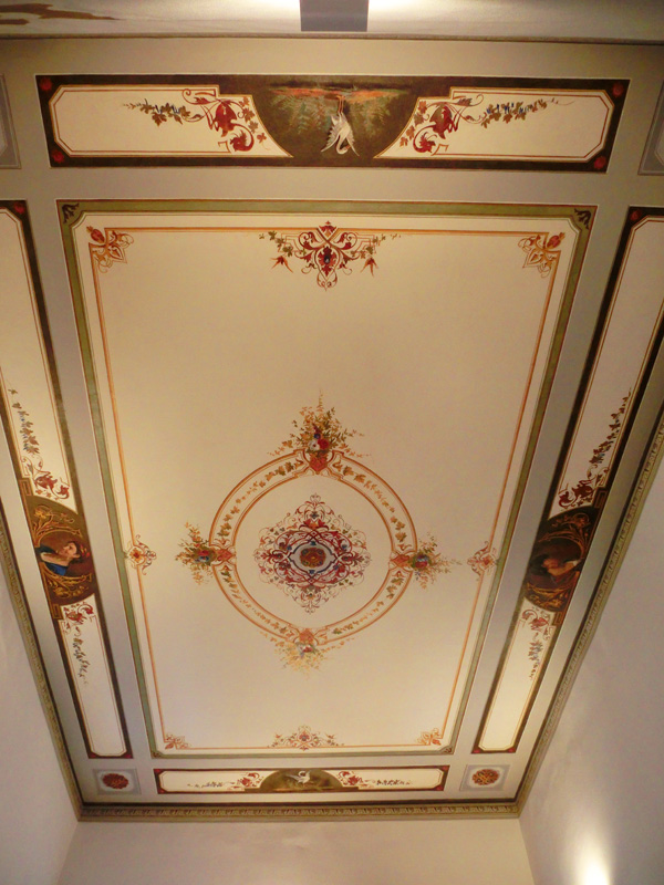Restauri Pittorici decorazione floreale soffitto